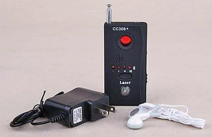 Dùng máy dò phát hiện camera quay lén chuyên dụng