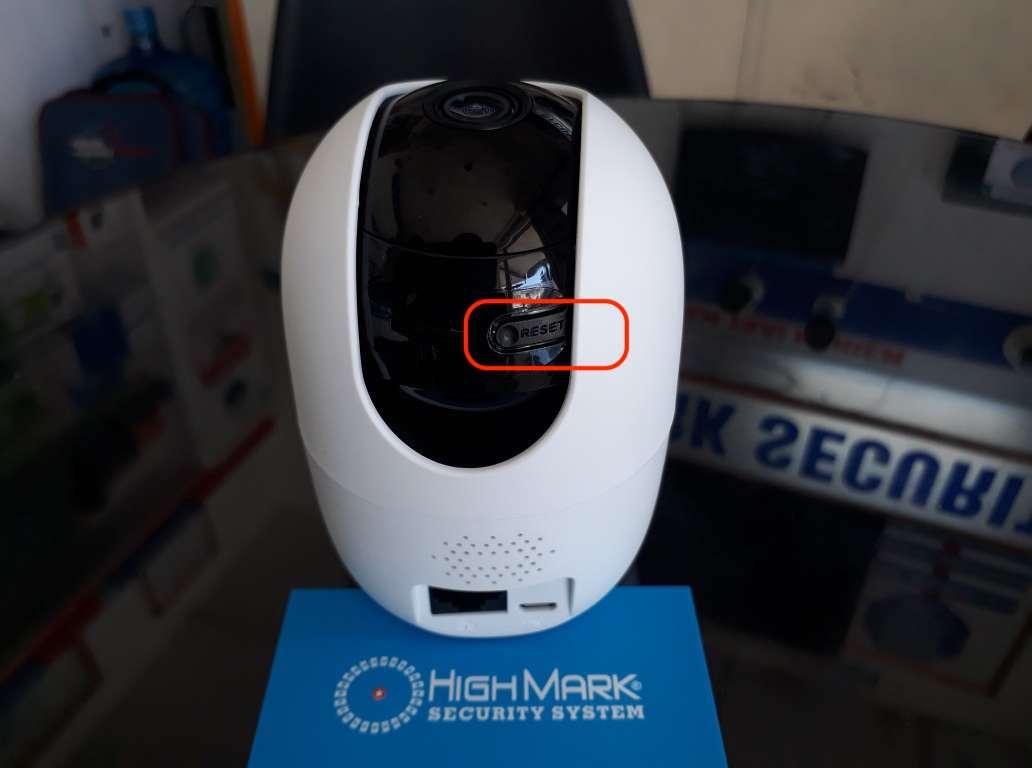 Nút reset camera KBONE KN-H21PW